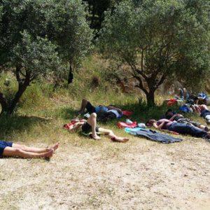Après le pic-nic et avant de retourner à l'eau, une sieste s'impose à Port-Cros