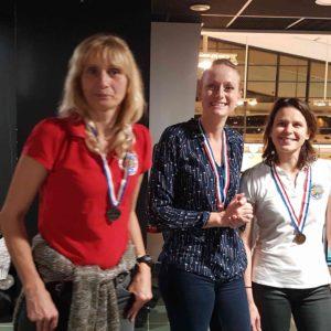 Podium du statique : Christine à gauche et Anne-Cécile à droite sont respectivement 2ème avec 4 minutes 16 et 3ème avec 3 minutes 58, au côté de la nouvelle championne de Normandie